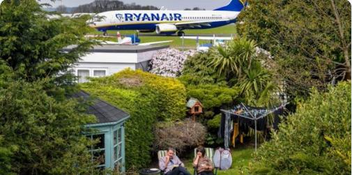 RT @AndyWoodturner: BREAKING: Norfolk couple wowed by @Ryanair 's new Door To Door service https://t.co/pbttob94yN