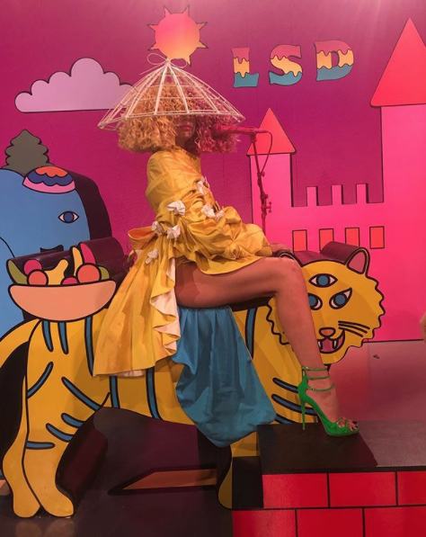 Don't miss #LSD live on @TheEllenShow today! - Team Sia ❤️???????????????? https://t.co/pwUsHDd0hr