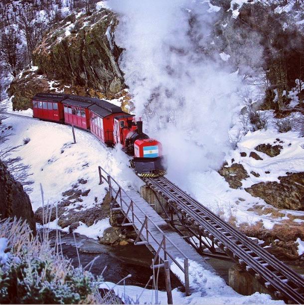 RT @RespiraArg: Tren del fin del mundo en Ushuaia, Argentina  #PostalesDeArgentina #RespiraArgentina https://t.co/xb5gSXLaP5