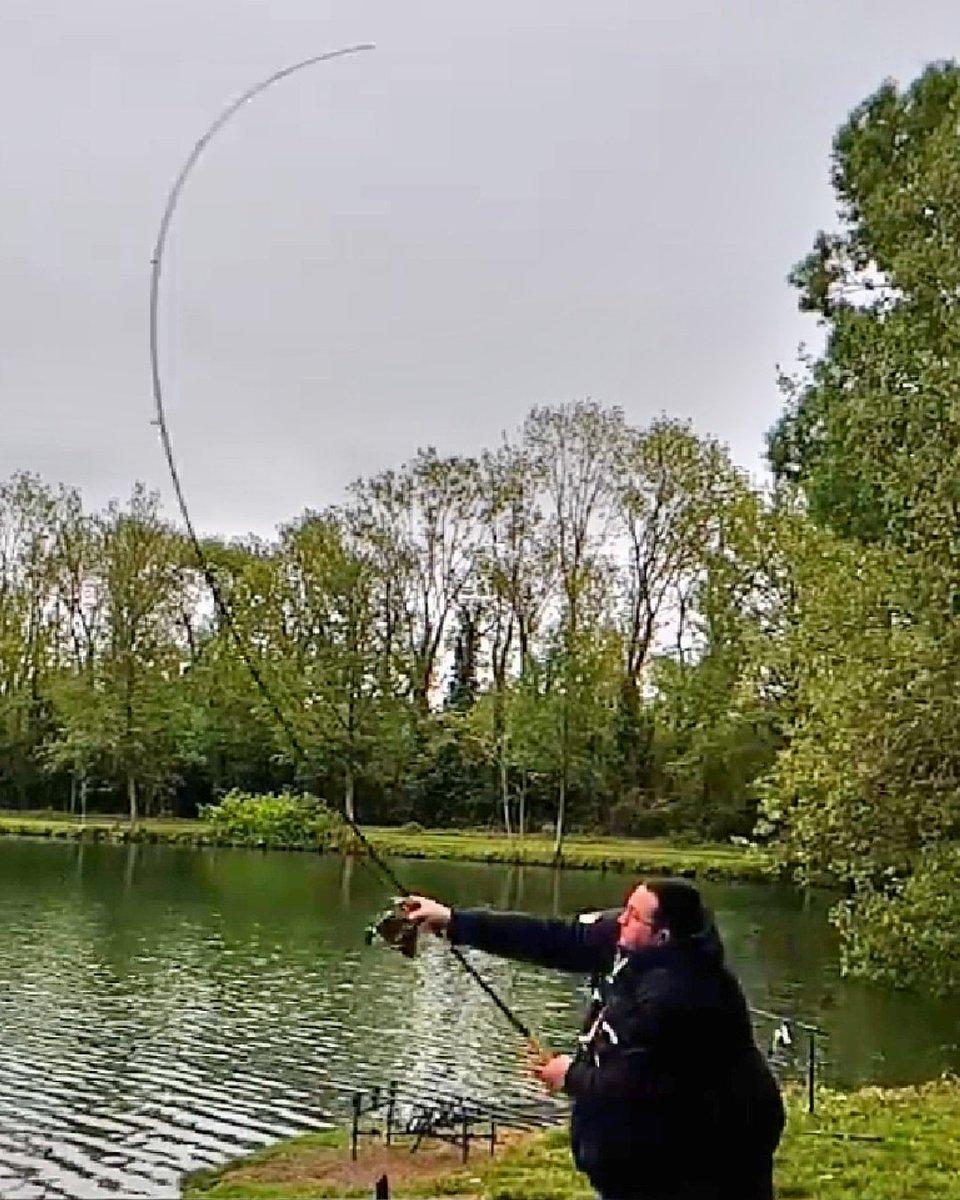 Yeah ça fouette 😁 😜 #Fishing #carpfishing #carpfishing #<b>Carpy</b> https://t.co/U0dkj9GIFj