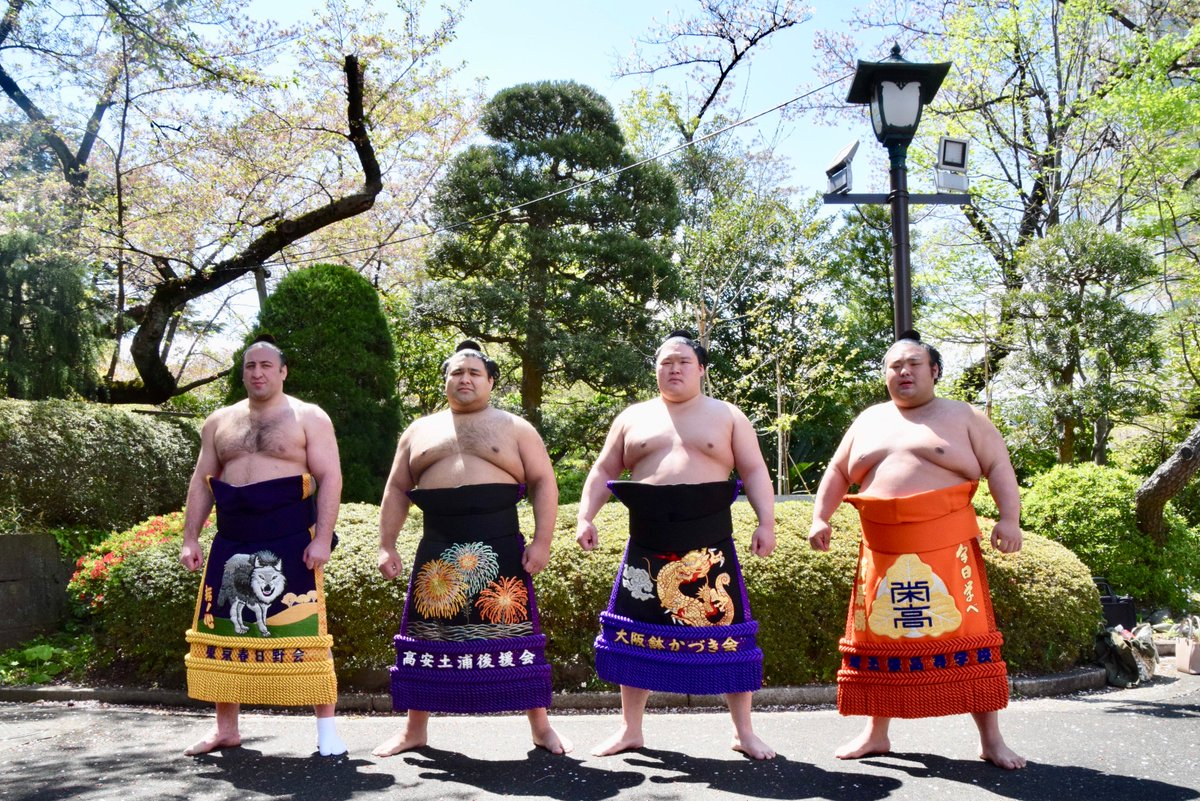 test ツイッターメディア - <靖國神社奉納大相撲> 栃ノ心、高安、豪栄道、貴景勝の四大関が並んで記念撮影。#sumo #相撲 https://t.co/n4XXIkwH6L