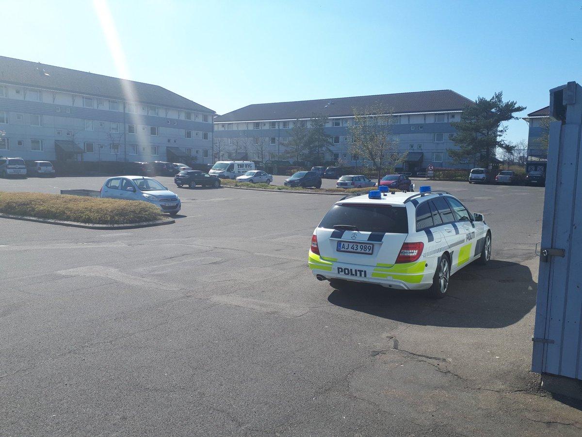 Politiet et p.t. til stede i Sct.Olai Parken, hvis der er noget borgerne ønske at drøfte. Mvh. Politiet Kalundborg https://t.co/JDdRYjytAI