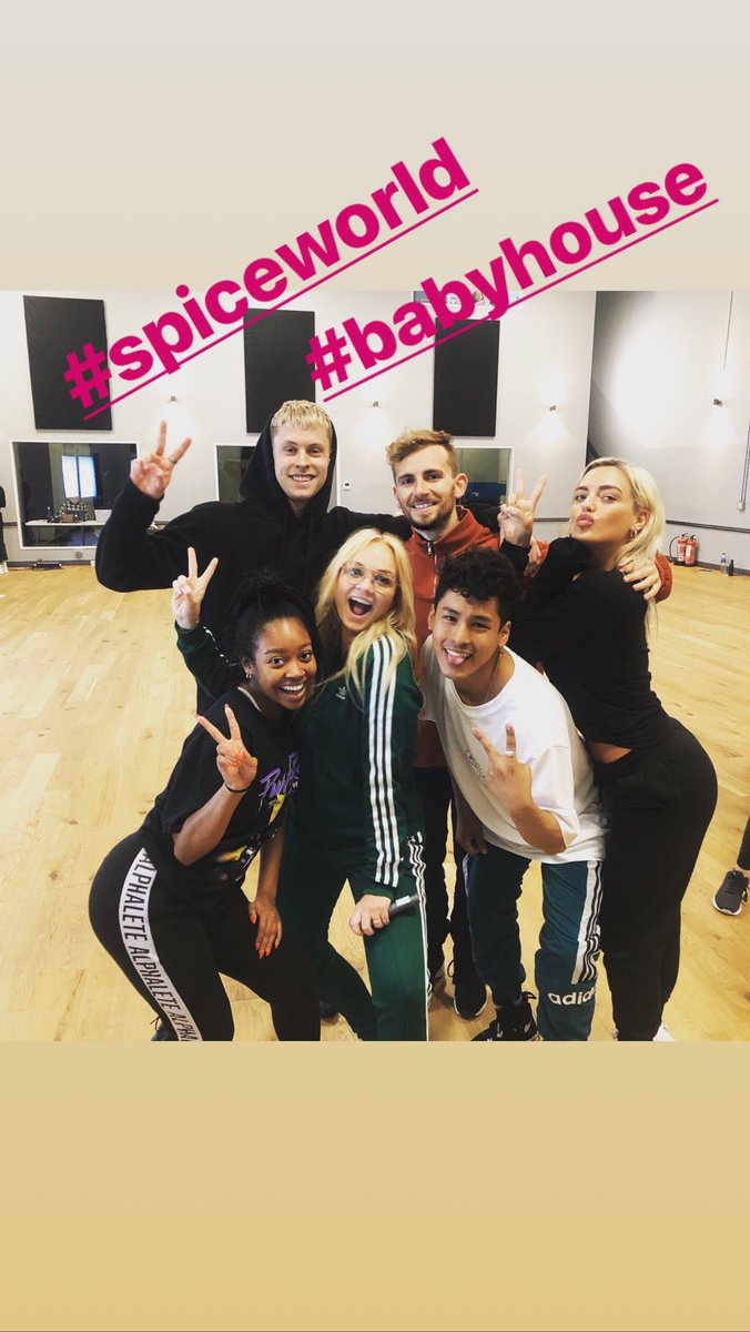It's the first day of rehearsals!! https://t.co/hq8q55mmGl