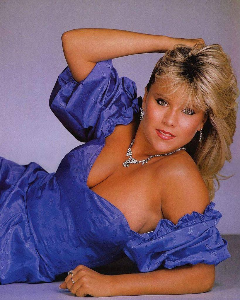 Happy Birthday to Samantha Fox who turns 53 today!