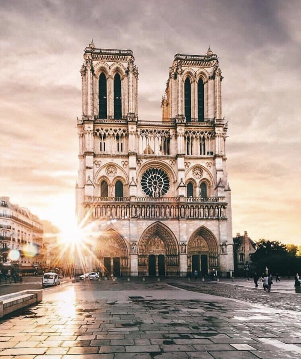 What a sad day, not just for France but for humanity. What an incalculable loss! #NotreDame https://t.co/1grMh6n9Xv