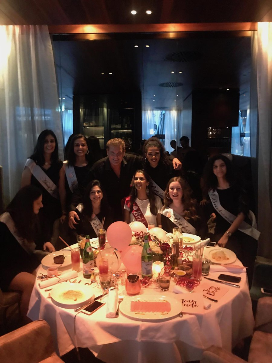 Hoff sharing the love at a Hen party in Wein ! https://t.co/NzmK6vluc4
