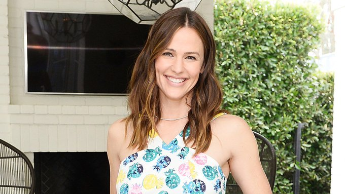 "April 17: Happy 47th birthday to actress Jennifer Garner (""Alias\"")"