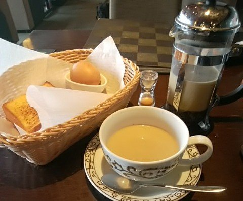 test ツイッターメディア - おはよ~ございます☺ 今朝は事務所出勤日。 すぐそばの喫茶店でモーニングが日課です😋  ゆでたまごを食べる時に東京土産の「ごまたまご」が恋しくなる今日この頃😃  ごまたまご 後から読んでも ごまたまご  あたりまえやろ~!😫  今日のおっさんネタの切れは、悪い😁  素敵な今日を☺ https://t.co/mkPIdpC1cg