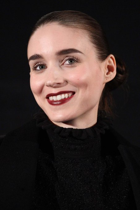 Happy Birthday to one of my favourite actresses, Rooney Mara!     I hope to see you in good films again.