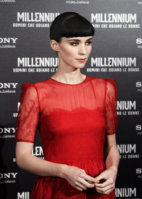 HAPPY BIRTHDAY ROONEY MARA - 17. April 1985. Bedford, New York, USA