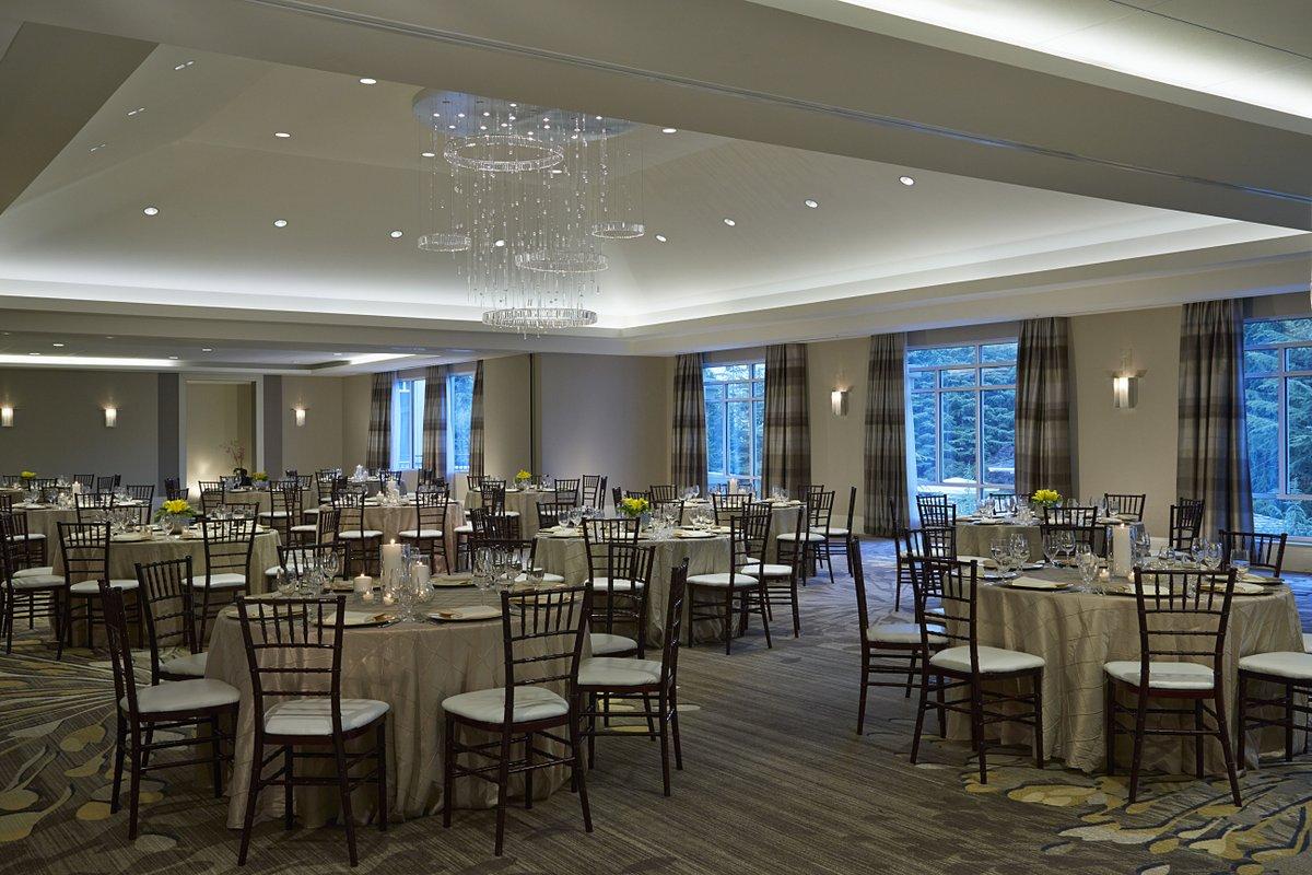 Imagine the #Wedding of your dreams in our Azalea Ballroom. #AtlantaWeddings https://t.co/kvLJsrxRYk https://t.co/VBOECW2saj