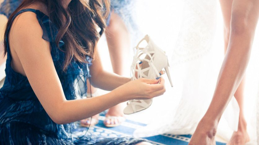 11 things a maid of honor should have on hand for the wedding: https://t.co/RYwBlSZyAR https://t.co/eEKfI3Ojvl