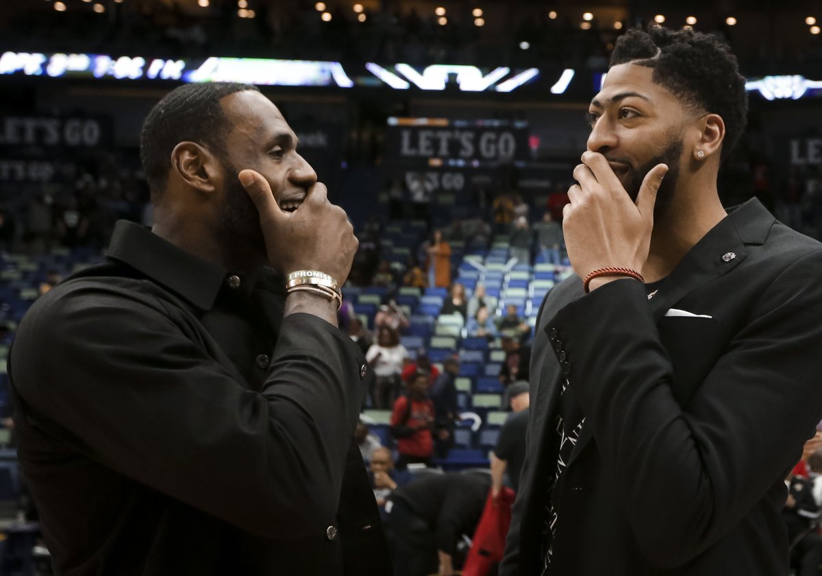 test Twitter Media - The Monster Trade That Could Bring LeBron James And Anthony Davis To Celtics #Celtics https://t.co/2USTtGoUkl https://t.co/qqGd2iZPVr