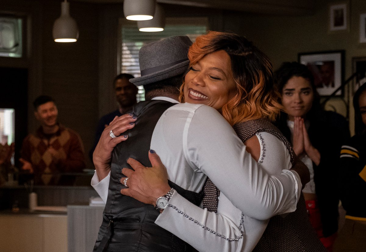 We've got the whole family together! #STAR starts now! https://t.co/HogSOuTS7L
