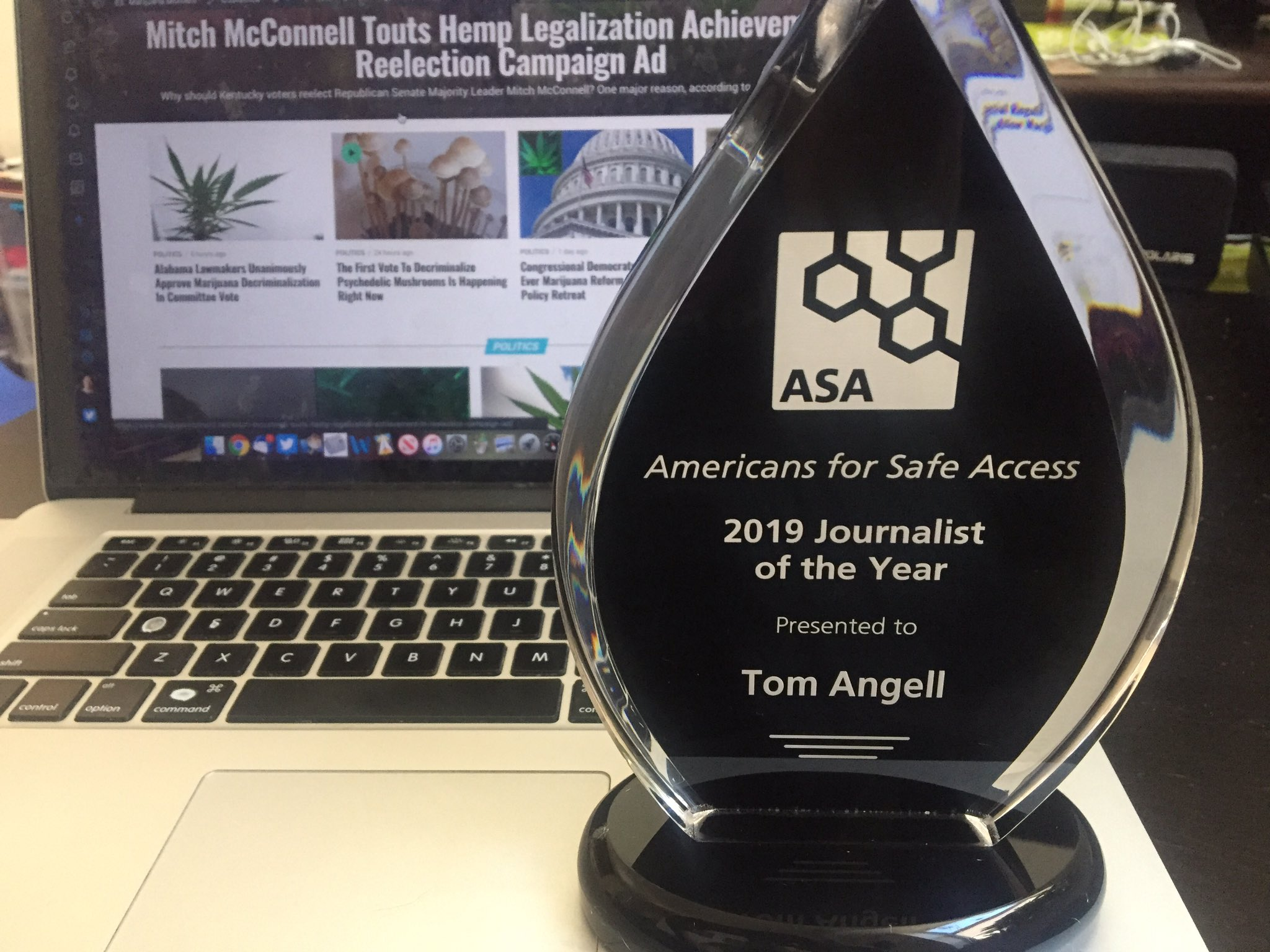 I'm honored to have received this beautiful Journalist of the Year award from @SafeAccess. Thanks this this, and for your good work on behalf of patients! https://t.co/xDta5ySjaR