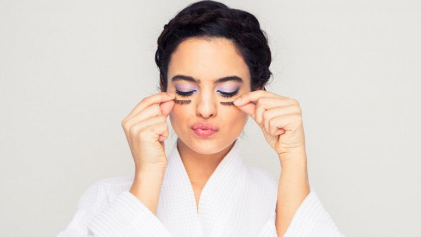 A foolproof guide to beautiful, timeless bridal makeup: https://t.co/DbuIsgQaB0 https://t.co/iB1lPlPzNE