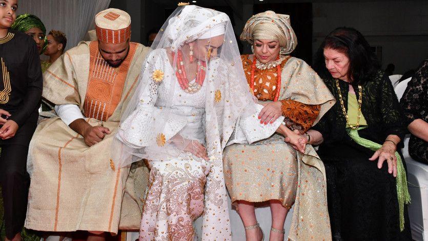 A bride who had 2 weddings to celebrate her husband's heritage: https://t.co/TC40TXCRGj https://t.co/TlID4jNOJj