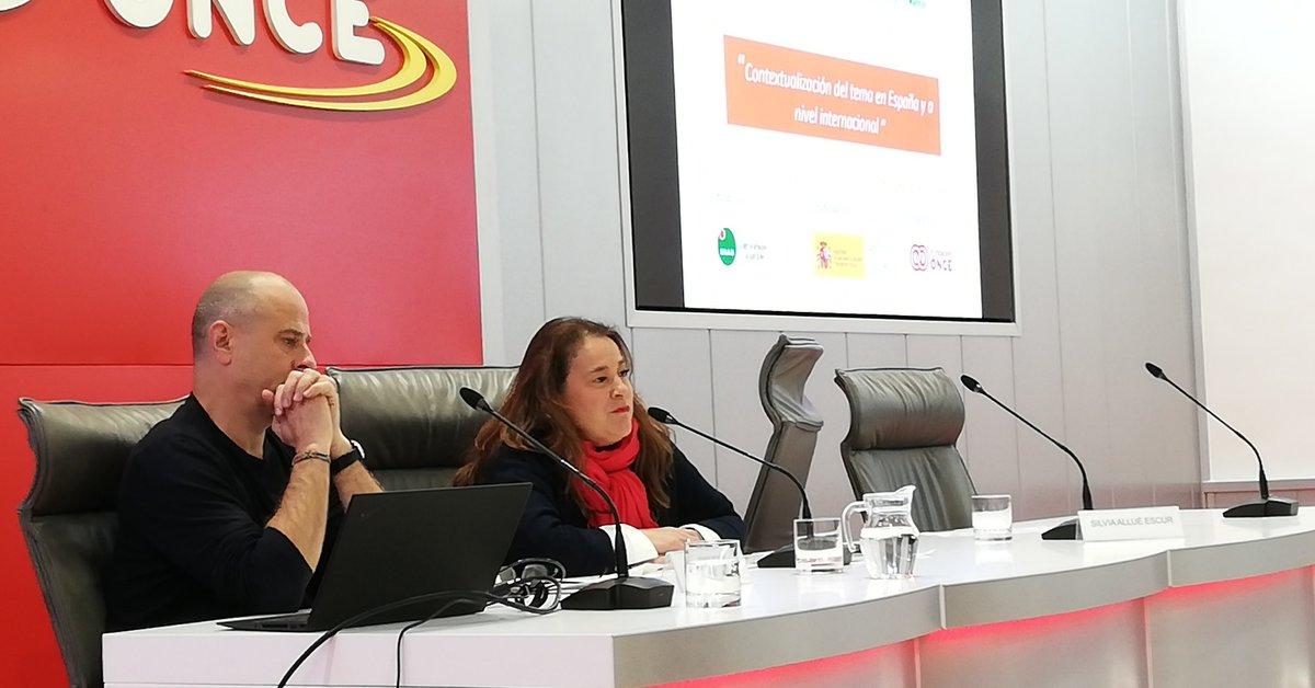 test Twitter Media - Empezamos conociendo el contexto del #cannabis tanto en España como a nivel internacional con la ponencia de @pep_rovira, director del área de Drogas de @abd_ong  Presenta Silvia Allué, integrante de nuestra Comisión de Intervención   #HablemosDelCannabis https://t.co/vepHEZ66ds