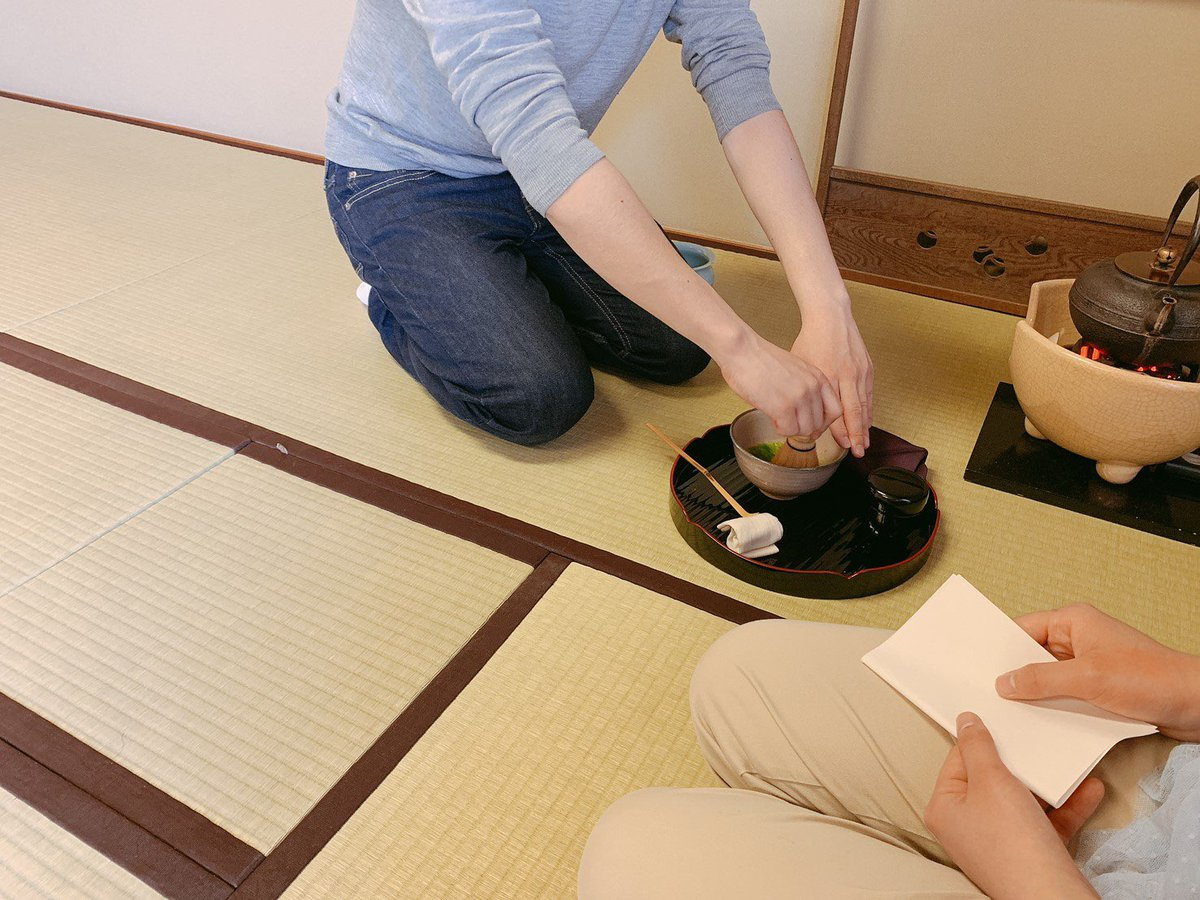 test ツイッターメディア - こんにちは☀️ 今日の木曜朝準備のお菓子は、佐賀県に本店を構える、村岡屋さんの昔風味の小城羊羹でした🦑 今出川の2回生の部員が、朝から京田辺に駆けつけてくれました!賑やかな一席となりました☺️  京田辺別館324にて4限まで活動しています。新入生でも2回生でも大歓迎です、見学お待ちしています! https://t.co/jaxZL0cY3W