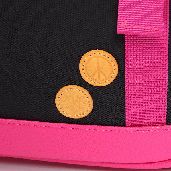 test ツイッターメディア - 『アイドルマスター シンデレラガールズ』より、城ヶ崎美嘉をイメージしたリュックが登場! 衣装についたバッジをモチーフにした型押しタグがポイント☺左のポケットには仕切りがついているのでペンやコンサートライトの収納にピッタリ◎  #idolmaster #デレマス #アイマス https://t.co/pvbNC1a38S https://t.co/VXM7BvFEbW
