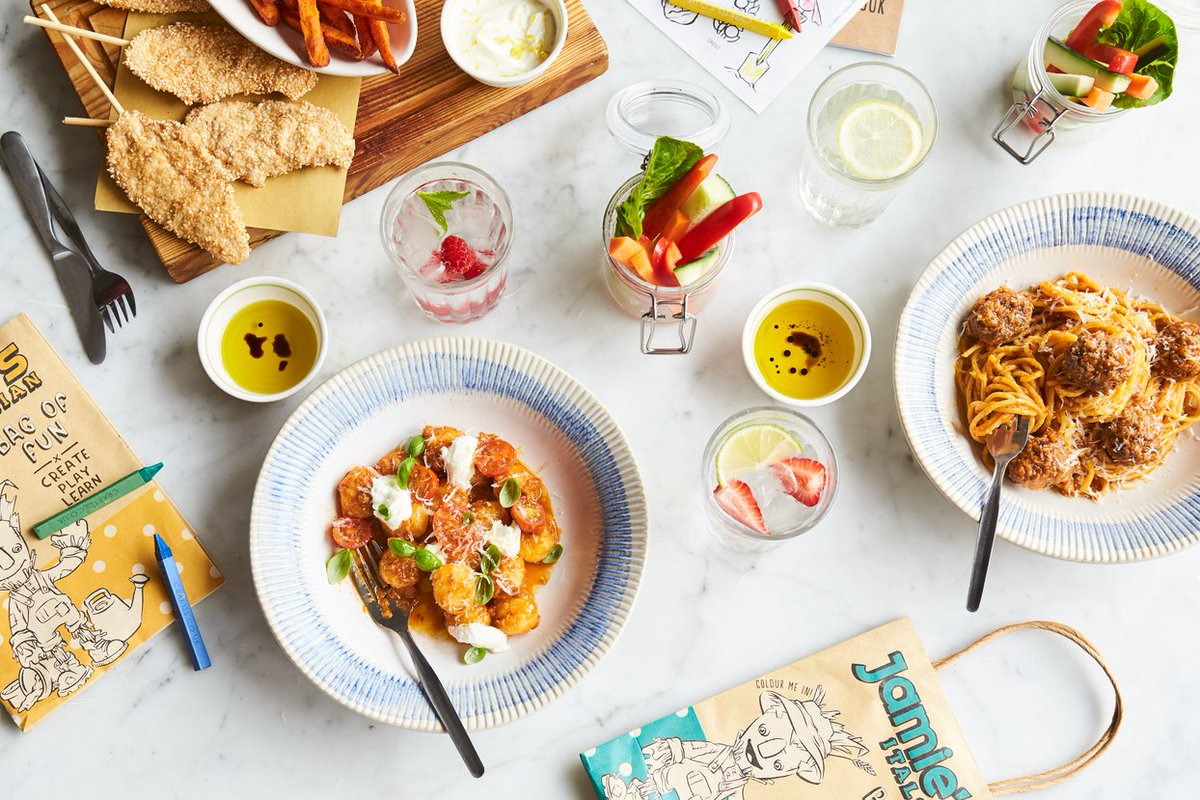 KIDS EAT FREE at all @JamiesItalianUK over the Easter holidays!   Book your table here: https://t.co/ozOlP7AzzW https://t.co/AhNur98RG4