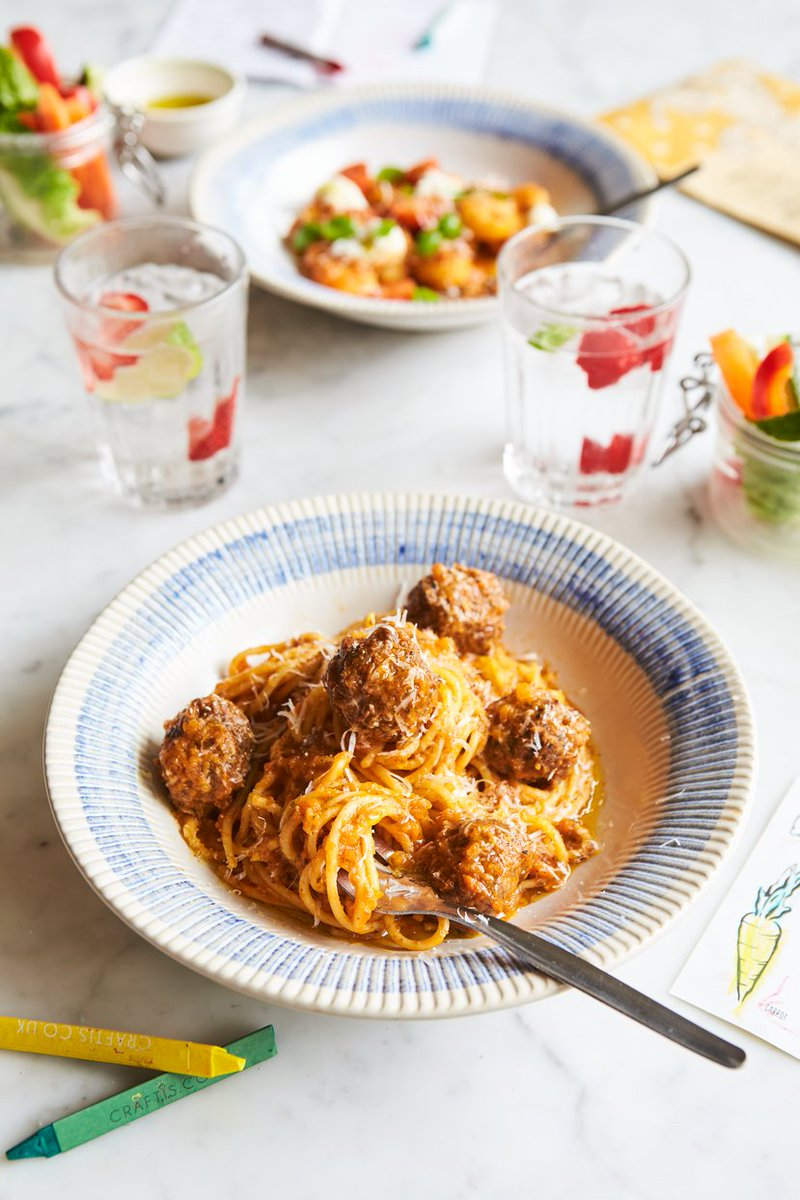 Don't forget, KIDS EAT FREE at all @JamiesItalianUK over the Easter holidays.  Book here: https://t.co/ozOlP7Saru https://t.co/YV2RBnYNDF