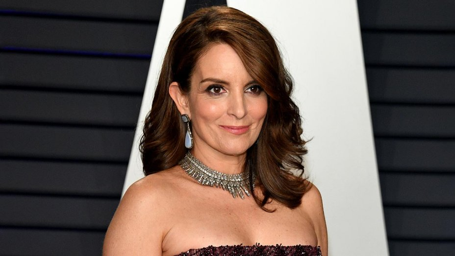 "Tina Fey ""relieved"" she's no longer on SNL amid ""ugly"" political climate"