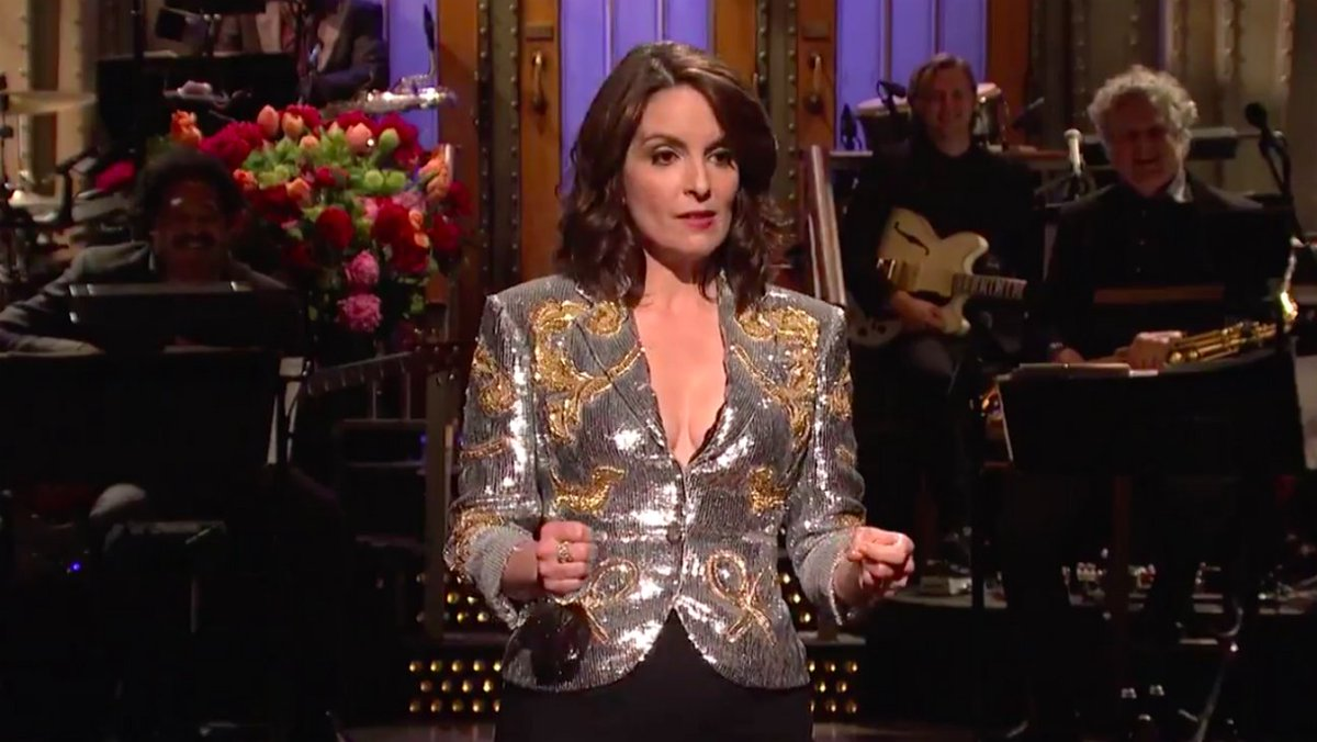 Tina Fey doesn't think that SNL has the power to sway peoples' political views