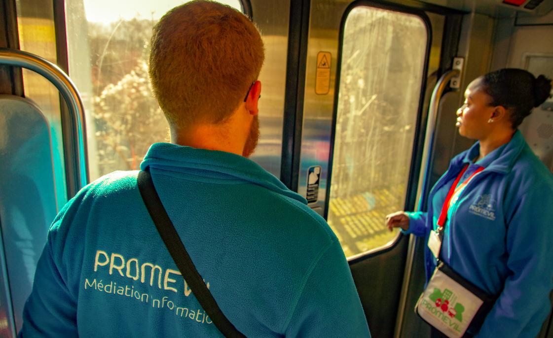 test Twitter Media - . La médiation, en 4 ans, sur le TER PARIS/SENS, c'est 8127 trains accompagnés, 101 217 interventions et 23070 actions pour éviter les actes de malveillances et d'incivilités. Dispositif efficace au quotidien.  @bfc_region #securite #mediation https://t.co/7ZmG0gh1iL