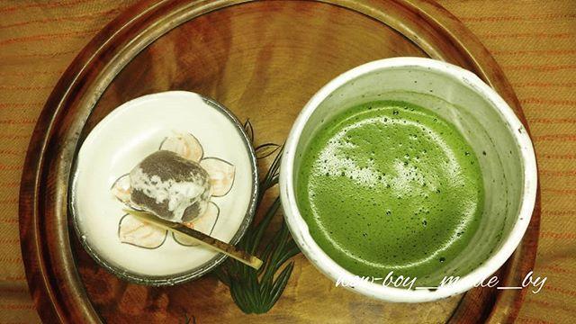 test ツイッターメディア - 私の器 ちょっと喫茶 大手饅頭は人肌に蒸すのがオススメ #today #my #vessel #teabowl #tiny #small #dish #japanesesweet #matcha #teabreak #抹茶 #大手饅頭 #japanese #traditional #sweet #饅頭 #喫茶 #一服 https://t.co/0WgF05v4CA https://t.co/6SrkCXkxJW