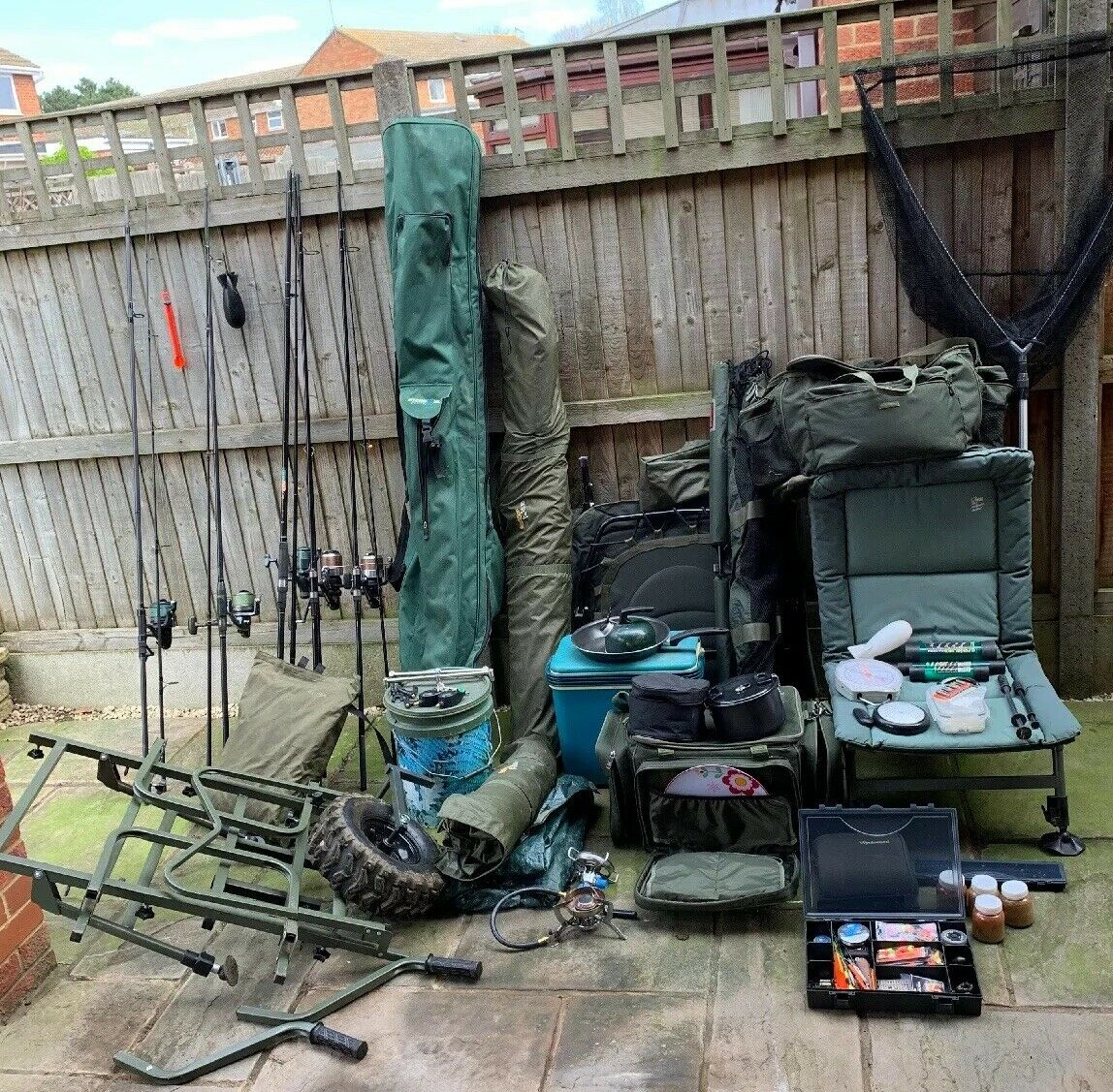 Ad - Complete 5 Rod Carp Fishing Set Up For Sale On eBay here --> https://t.co/FDhQAe2cOA  #carpf