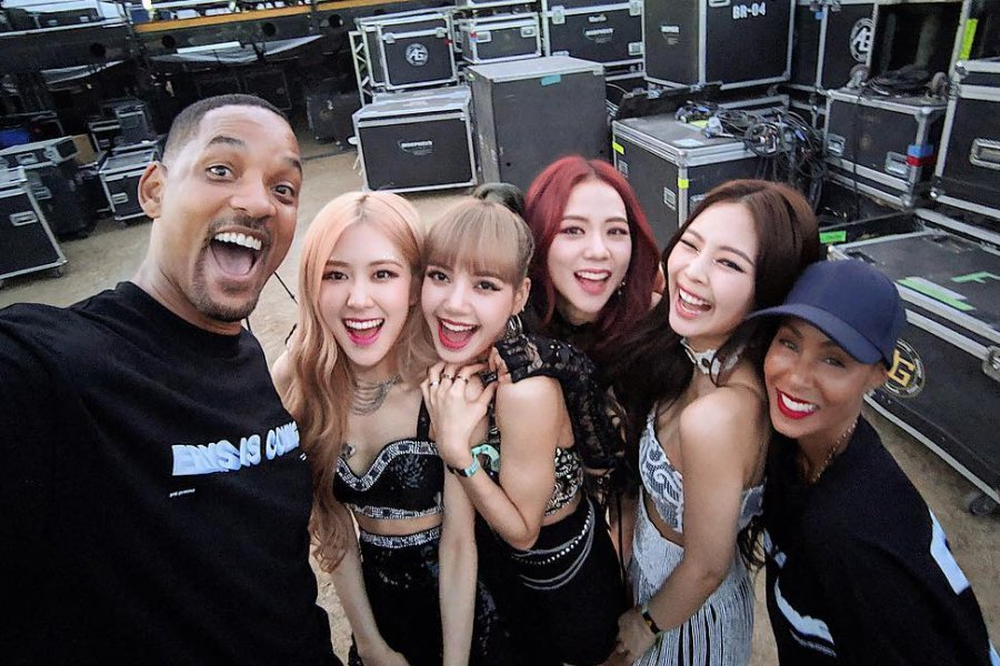 RT @soompi: #WillSmith Says He And Jada Are Officially #BLACKPINK Fans https://t.co/J3oaH73xWQ https://t.co/b7qG881jWc