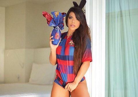 RT @prensafl: Las fotos más sensuales y atrevidas de Suzy Cortez con un huevo de Pascua https://t.co/GRiW1Ewrpc https://t.co/gT9Y0RSL0D
