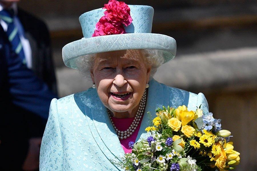 🇬🇧👑 La reina Isabel II cumple 93 años junto con su familia en el castillo de Windsor https://t.co/Px6If1Jfwe https://t.co/dFd1XMP1dB