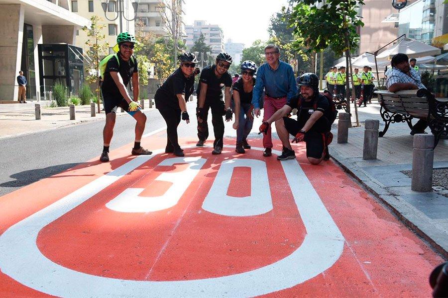 """🚲🛴 """"Plan Holanda, vías naranjas"""": Lanzan plan piloto de convivencia vial en Las Condes https://t.co/qzOohmChbN https://t.co/74xrHrVfdY"""