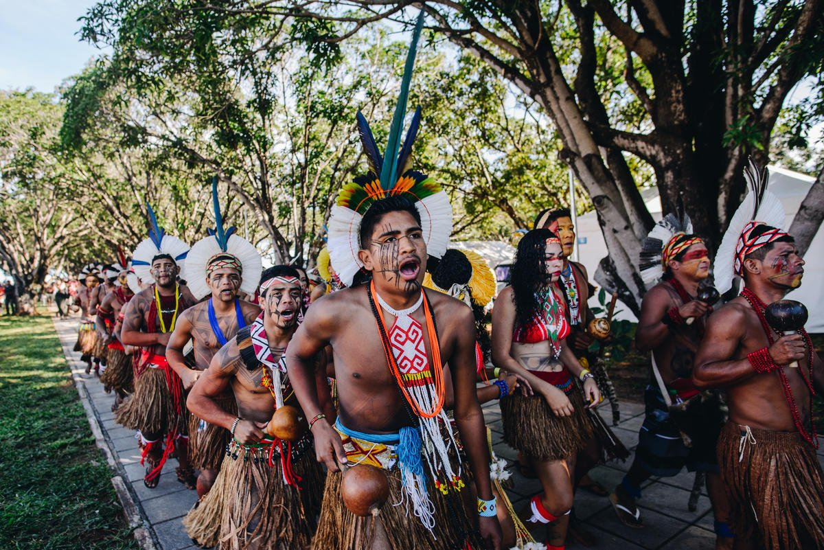 This week, thousands of Indigenous Peoples are meeting in the capital of Brazil to fight for their rights. Stand with the guardians of the forest. Reply to this tweet with a message of solidarity.   #SavetheAmazon #NoforestNolife #Terralivre https://t.co/JY6rYKXpYa