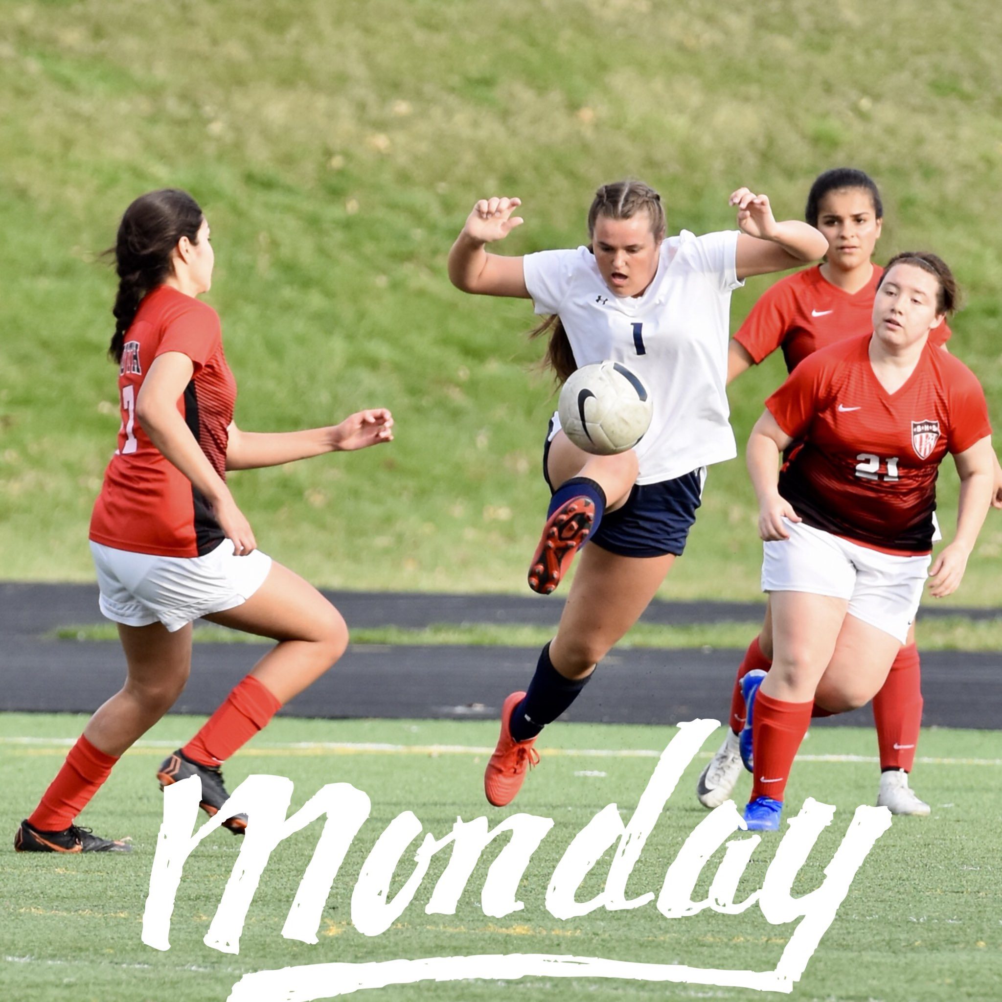 @LCGirlsSoccer_  It's Monday🤗 AM team practice then team brunch👊🏼 #believe #Team>I   @LewisCentralCSD @IGHSAU https://t.co/ommgSJywOD