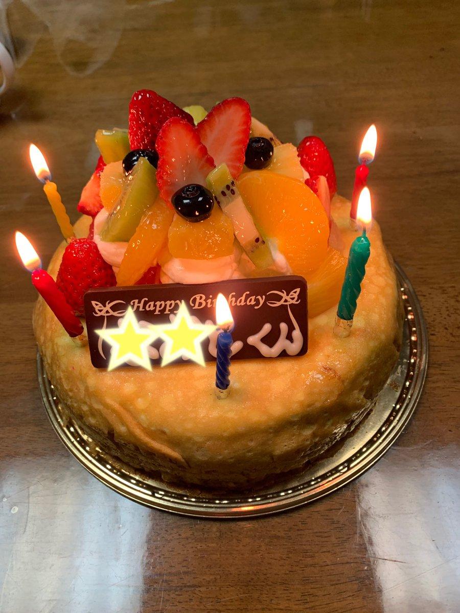 test ツイッターメディア - 次男の誕生会🎂🎊 #シャトレーゼ のミルクレープで お祝いしました(^O^)🎵 美味しかったね(^O^)💕 お誕生日おめでとう🎂🎊 https://t.co/fMfg6a5qV6