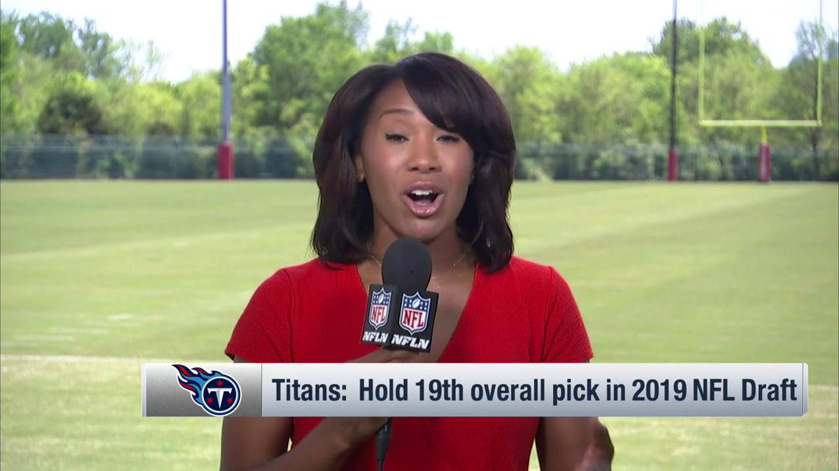 RT @Titans: Coach Vrabel already working the phones on Monday. 📞  Sorry, @tiffblackmon! 😂 https://t.co/ZdYuTJX0NL