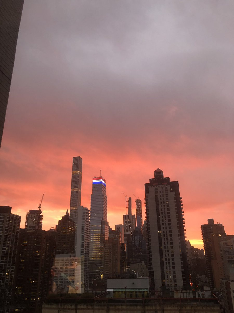 test Twitter Media - Who said NYC couldn't provide for a beautiful sky. https://t.co/EY3h3OFZQn
