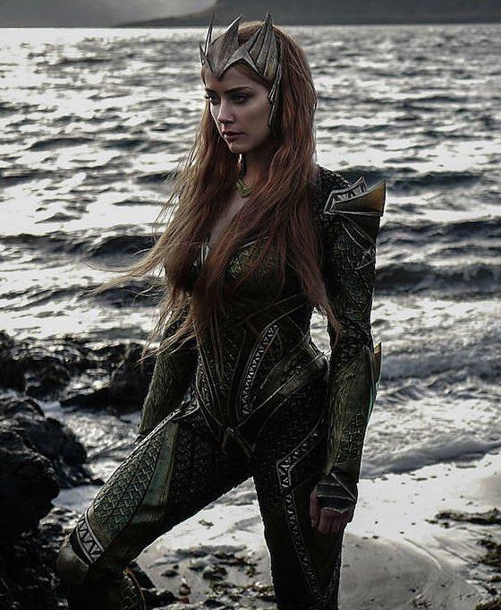 RT @worldofmera: Justice League or Aquaman?...