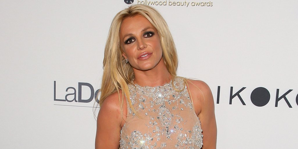 Britney Spears is seen for the first time since entering rehab https://t.co/SfAiF3fRIA https://t.co/zPbtnR5jQk