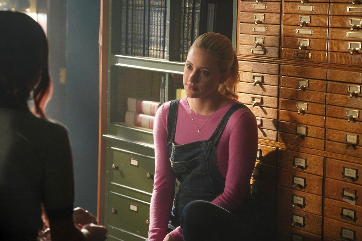 Betty discovers a dark secret from Evelyn Evernever's past in Wednesday's new episode of #Riverdale.  What do you think she'll find? https://t.co/qNnOXrYREB