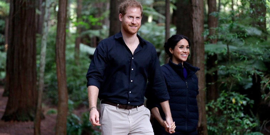 Meghan Markle and Prince Harry gifted us on Earth Day with incredible images   https://t.co/ZUtbDYBSwT https://t.co/hIjGN3pYhb