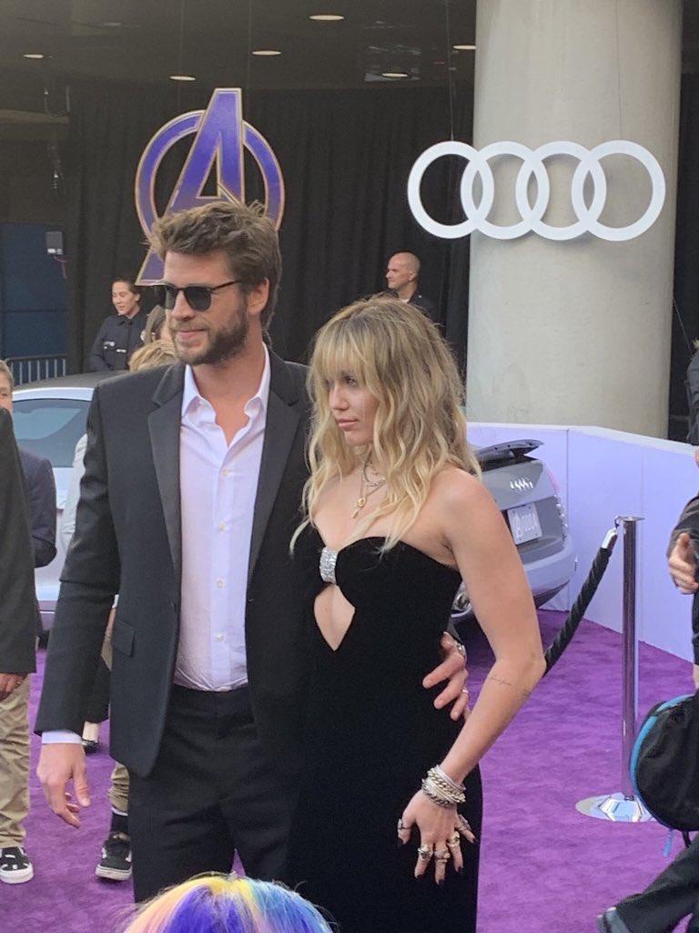RT @Smileer_4everr: Llegaron Miley y Liam😍😍 https://t.co/21dwlxB2E5