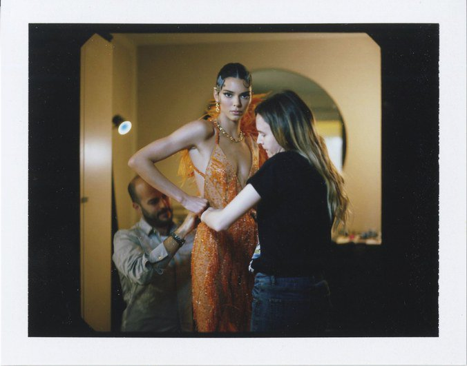 RT @wmag: See how @KendallJenner got ready for the 2019 #MetGala, exclusively here: https://t.co/hR7PeOpTi0 https://t.co/YpKup0ytjA