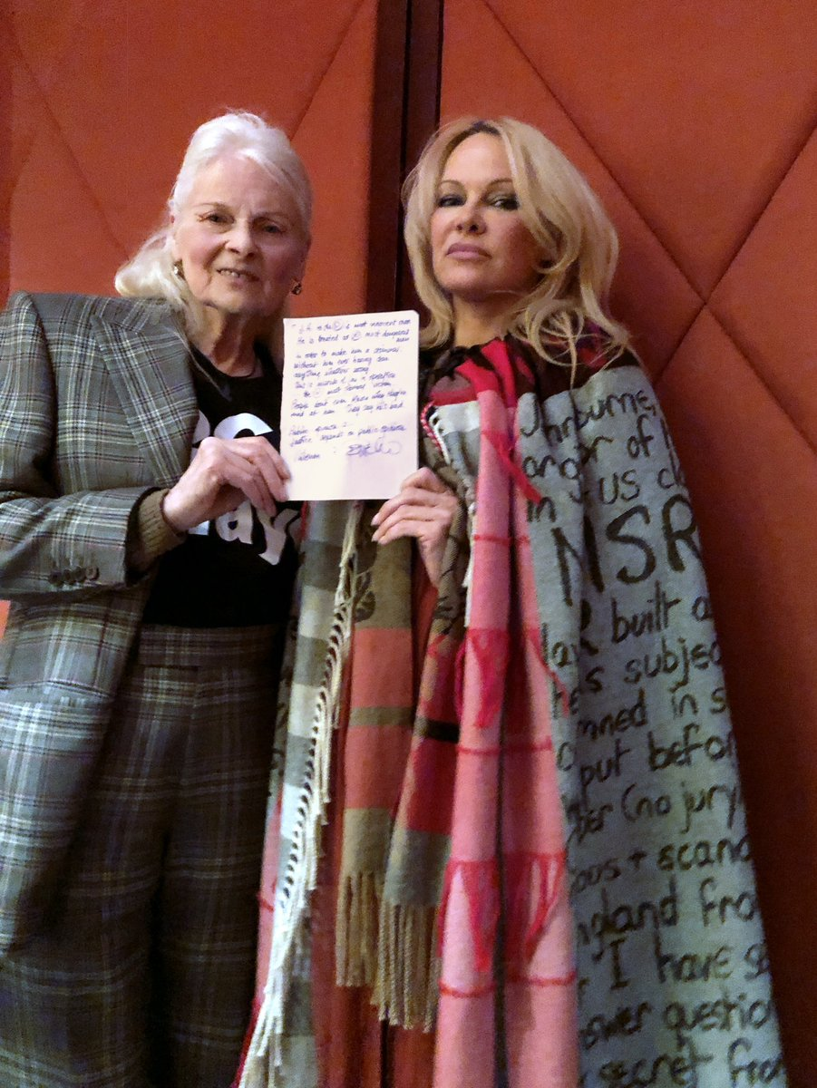 RT @FollowWestwood: Pamela and Vivienne are going to rescue Julian - read the message. https://t.co/zsbJHocs7B