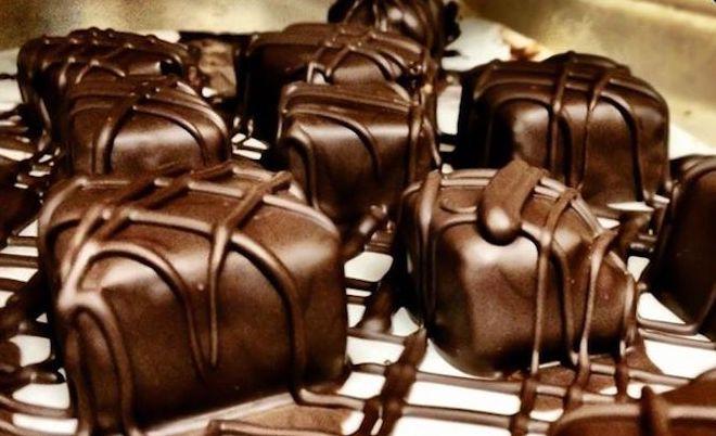 My go-to chocolates.. ???? https://t.co/OZkSwjHvXd https://t.co/gGK4oKKHAg