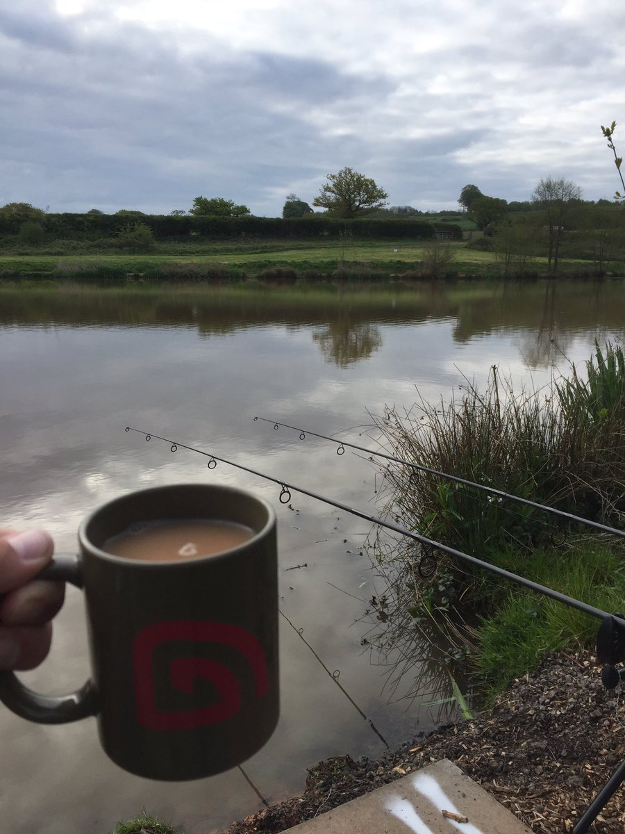 A most enjoyable day out on the bank <b>🎣</b> #carpfishing #fishing https://t.co/OKdIimJUxD