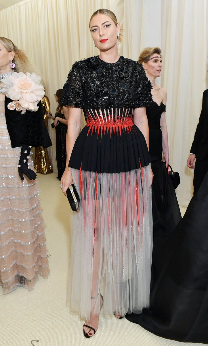 The prom night I never had ????@givenchy #metgala https://t.co/pnuGCQcPPX